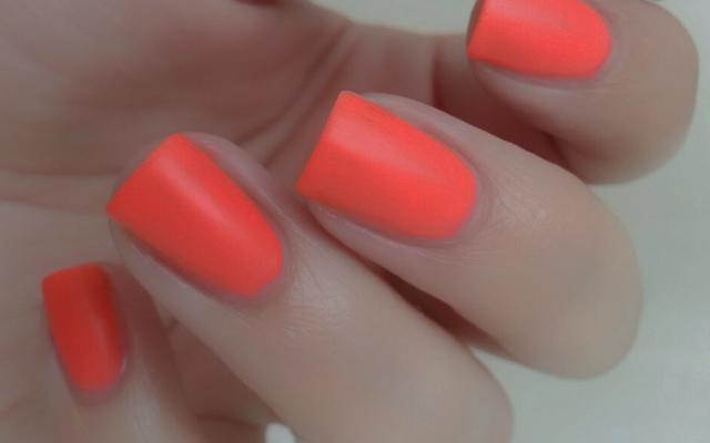 Descubre los colores de uñas del verano