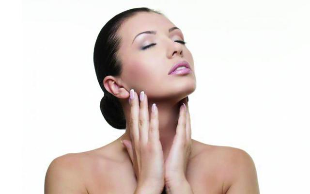 Atrévete a mantener tu piel más joven con el yoga facial