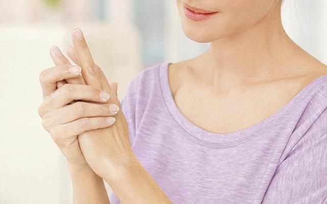Tratamiento manos antiedad